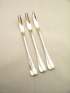 Three tower silver 