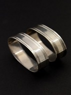A pair of 830 
