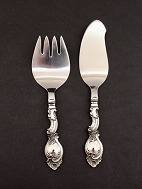 Fish serving 